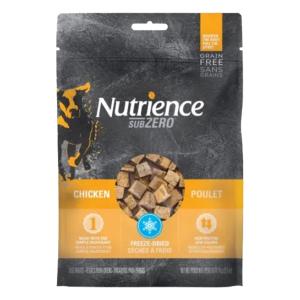 單一蛋白配方  -- 100% 雞肉 凍乾處理  --  鎖住營養和味道。 高蛋白、低熱量  --  非常適合訓練 及 作為獎勵小食
