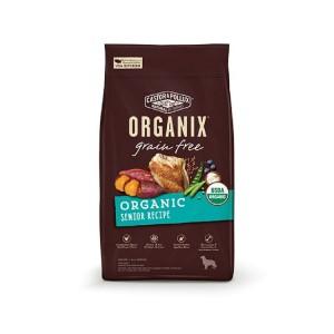 自由放養的有機雞隻是我們有機全犬糧的首要成份。在此基礎上 我們再加入有 機甜薯和富含天然維他命、礦物質、抗氧化物和纖維素的新鮮有機水果和蔬菜。   無穀物犬糧 有機年老犬配方,還具備以下優點:  -USDA 有機認證 (最少使用 95%有機原材料)  -首要材料為有機放養雞隻。  -不含玉米、大豆、小麥。  -內含超級食物(superfood),營養豐富  -含有葡萄糖胺有助刺激製造新的軟骨,能提供關節保護效果  -軟骨素能補充軟骨部份